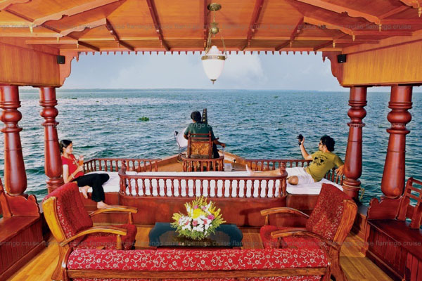 Cruiseland Houseboat